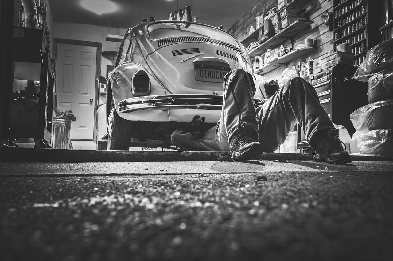 intro to top 10 hacks for saving money car maintenance